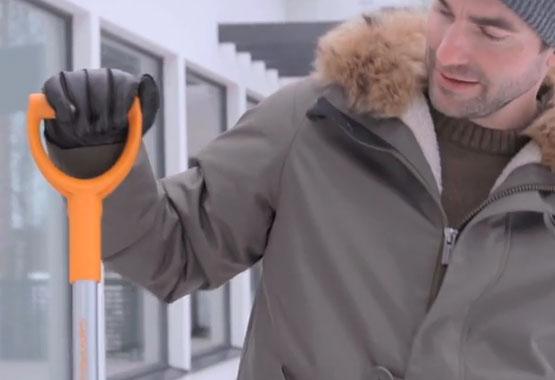 SnowXpert™ slota ar ledus skrāpi